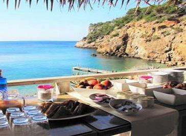 Amante Beach Club & Restaurant